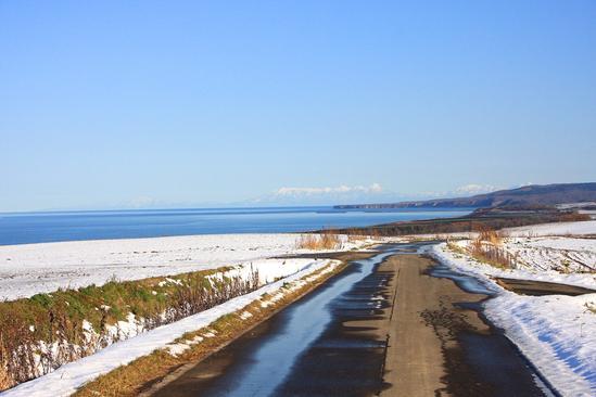 オホーツク海と能取湖が望める丘3 一本道&畑作地帯 北見市常呂町